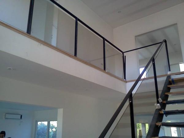 - Baranda de escalera de hierro ...